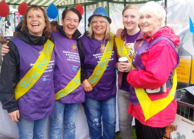 The lovely and hardworking volunteers from B.A.R.K.S. (Banbury Animal Rescue & Kindness Service)